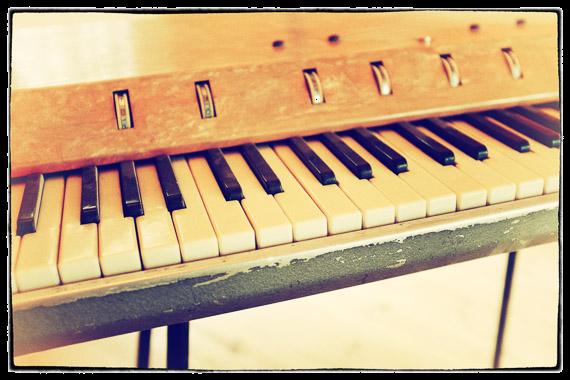 Soviet Organ Kontakt Instrument 2